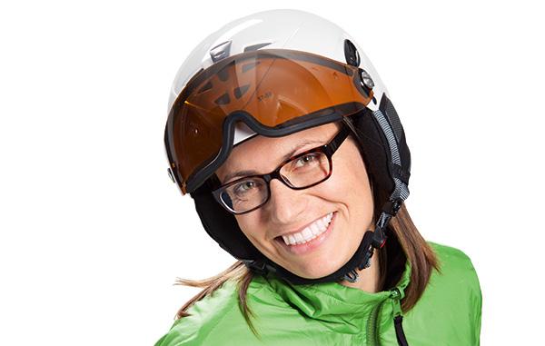 Skihelm mit Visier für Brillenträger